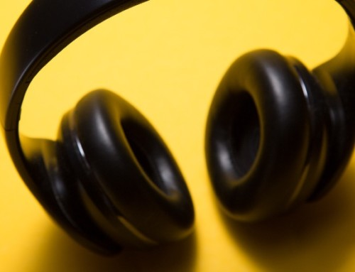Wireless Earbuds: Untethered Convenience or Unhealthy Risk?
